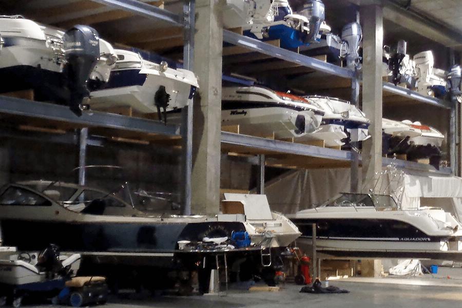Vinteropplag av båt